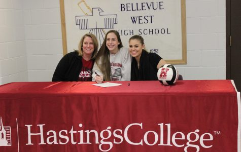 Sage Meyer signs to Hastings College