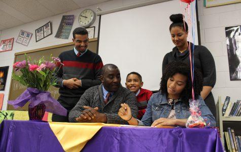 Akin-Otiko signs with University of Kansas