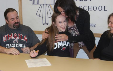 Senior Signing: Hill signs with UNO