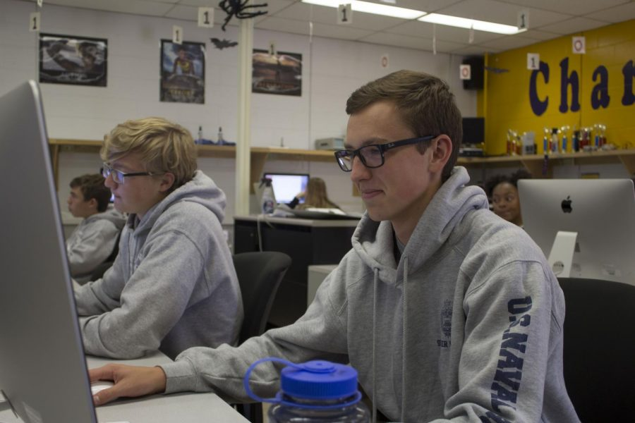 Senior+Jon+Copley+prepares+to+complete+an+assignment+in+his+Introduction+to+Computer+Science+class.