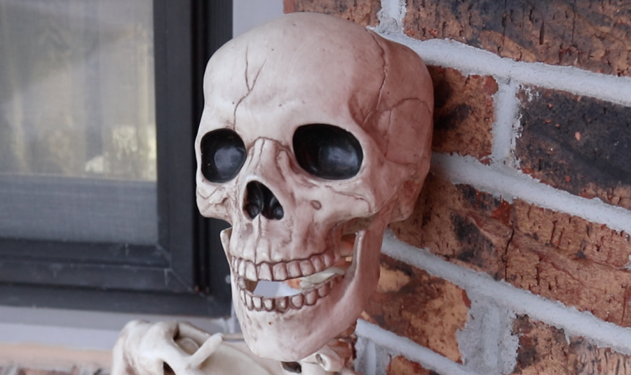 Bellevue residents share their love of Halloween through yard decorations