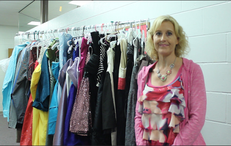Key Club adviser Jennifer Sedlacek hosts homecoming boutique