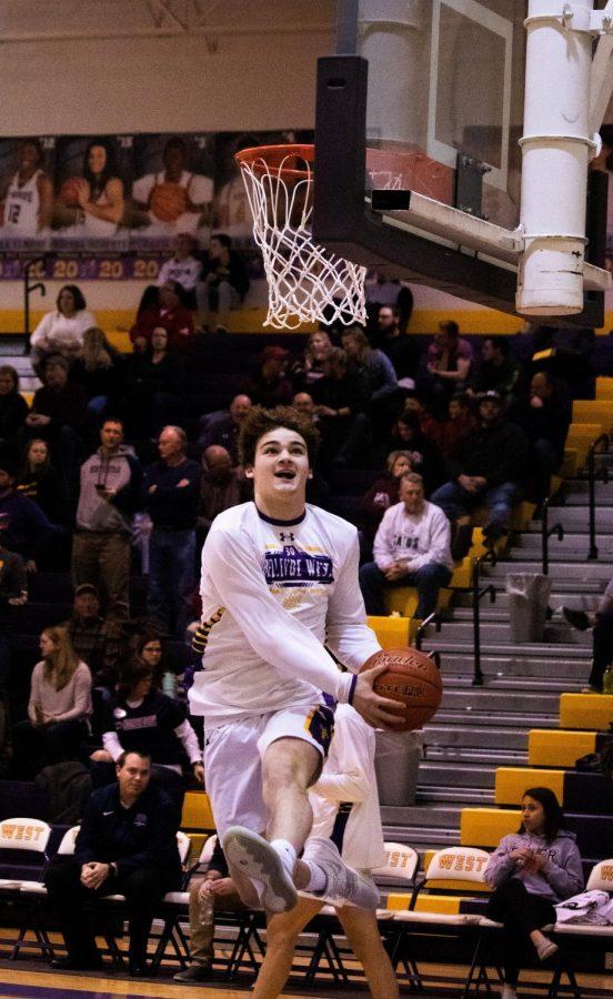 Photo Essay: Boys basketball vs. Lincoln Northstar 2/8