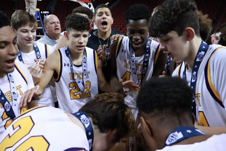 Photo Essay: boys basketball wins NSAA State Championship against Millard North