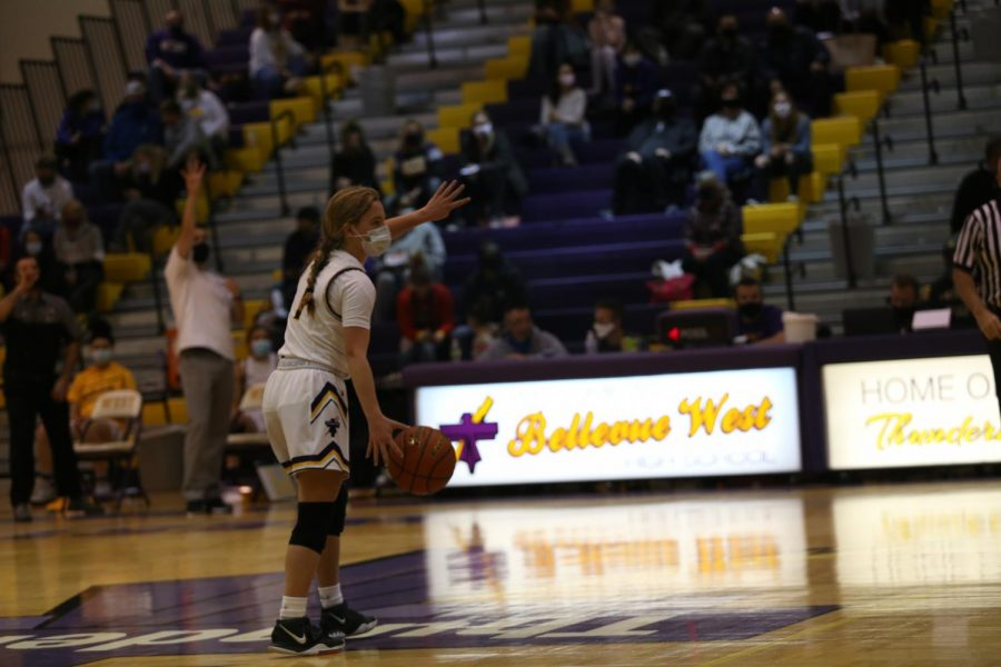 Sophomore Alyssa Fjelstad calls a play on offense.
