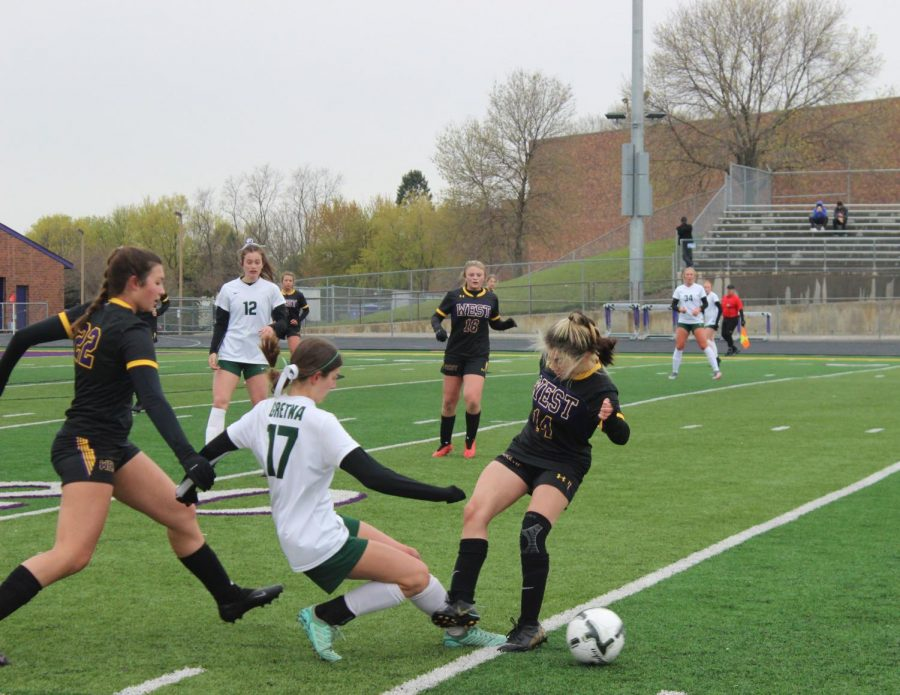Sophomore Isabella Shelley makes a play for the ball.
