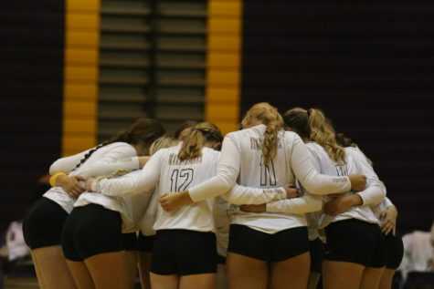 Volleyball focuses on teamwork during the new season